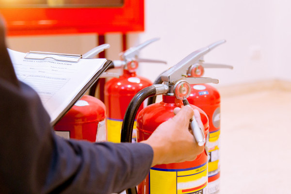 Koja je obavezna protivpožarna zaštita u zgradi?
